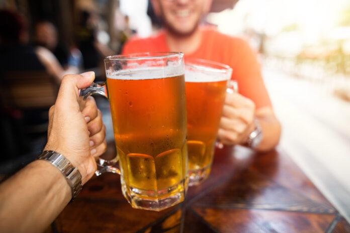 Co się kryje pod nazwą piwa APL? – Wyjaśniamy od podstaw