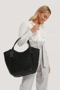 Najbardziej praktyczne i klasyczne rozwiązanie, czyli torebka typu shopper