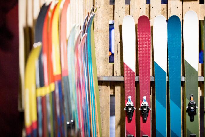 Jak przechowywać narty po sezonie?