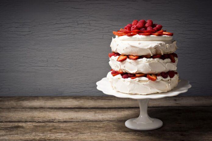 Ciasta z truskawkami na każdą okazję. Przepyszne serniki, biszkopty i torciki