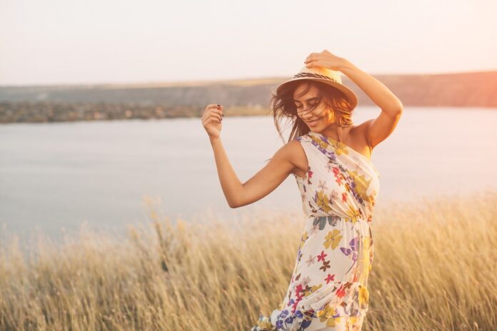 Dobór sukienki do sylwetki - jak zrobić to dobrze?