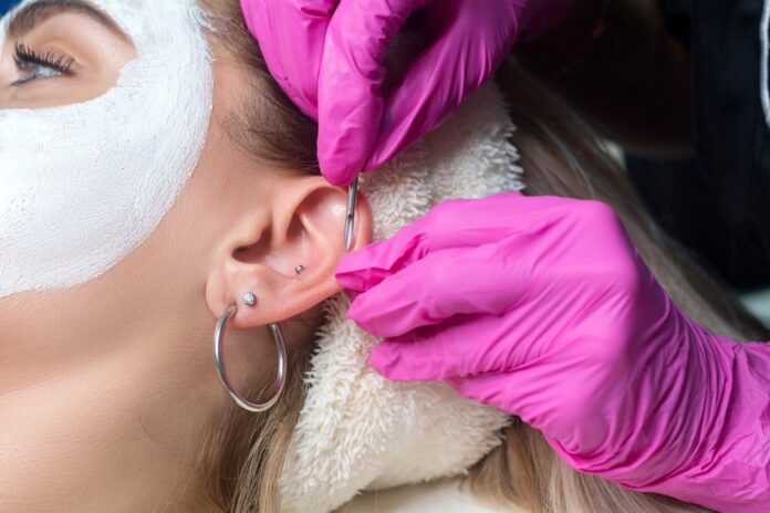 Piercing uszu bez tajemnic